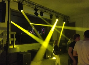 Beam_Movingheads_Party_Dj_Abiparty_Traverse_Tonanlage_Lichtanlage_Lichttechnik